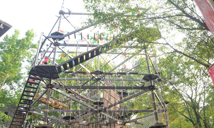 Outdoor High Ropes Adventure Courses